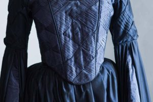 immagine vestito blu carnevale